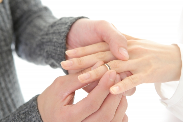 婚約を破棄されたときに請求できる慰謝料は?